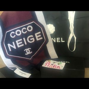 CHANEL 2018- 19AW Coco Neige Cashmere Scarf